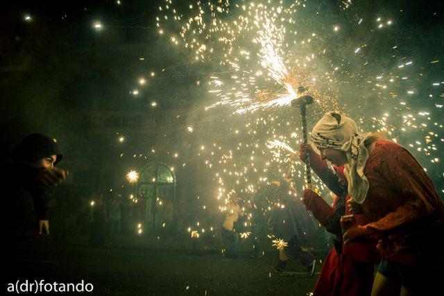 """""""La festa del foc"""" por Alejandro Domínguez, con Fuji X-E1."""