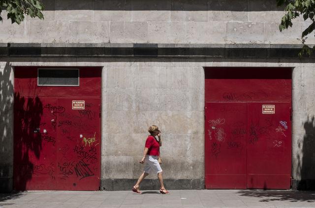 """""""Red woman"""" por Rodrigo Roher, con Fuji X30."""