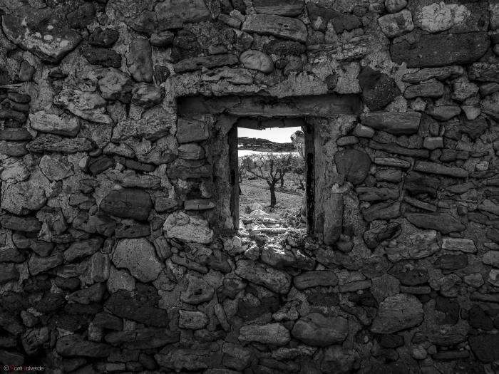 """""""La ventana"""" por Xanti Valverde, con Fuji X10."""