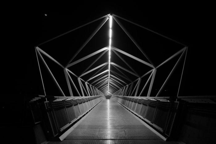 """""""Geometría nocturna"""" por Álvaro Remesal, con Fuji X100S."""