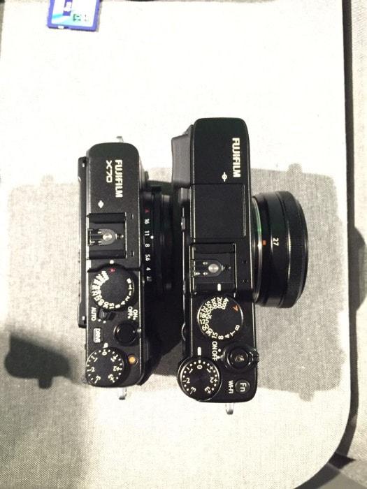 Comparativa de tamaño: X70 frente a X-E2S+ XF 27mm f/2.8. Por Rodrigo Roher.
