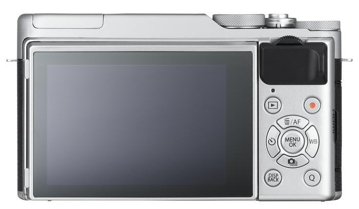 Fujifilm X-A10 detrás.