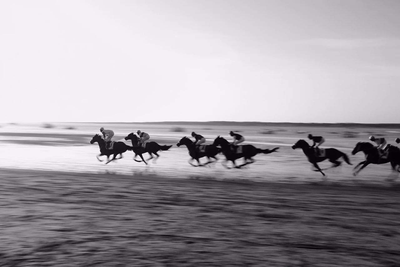 """""""Carreras de caballos"""" por Miguel Ángel López. Fuji X100T."""