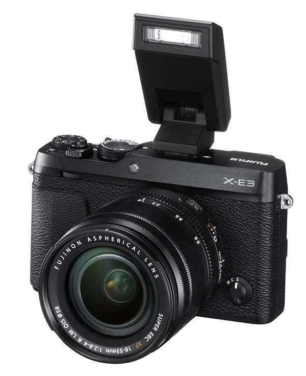 fujifilm X-E3 + XF 18-55mm con flash EF-X8.