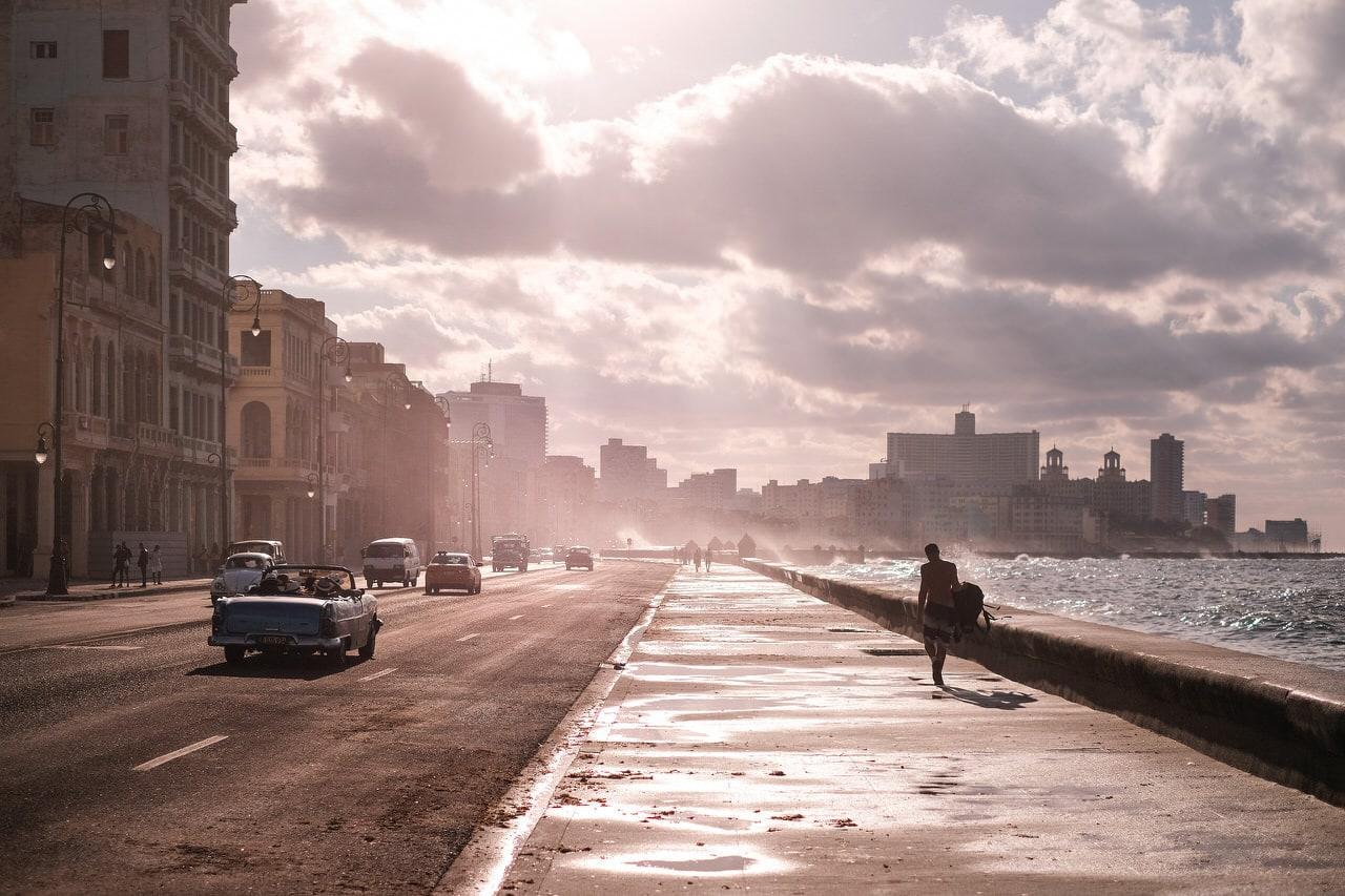 """""""Malecón habanero"""" por Fernando García. Fujifilm Xpro-2 + XF 35 f/1.4."""
