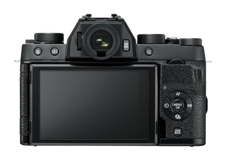 Fujifilm XT100 detrás.