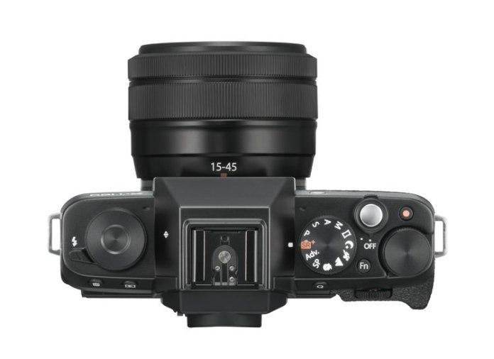 Fuji XT100 con XC 15-45mm por arriba.