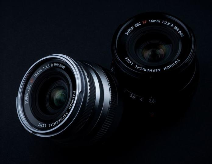 XF16mmF2.8 R WR plata y negra.