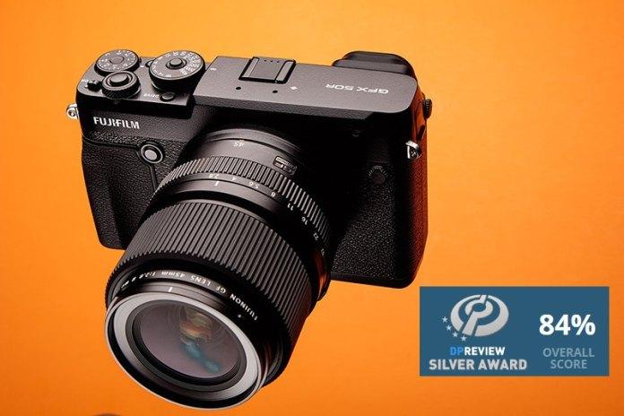 DPreview concede un notable alto a la Fuji GFX 50R.