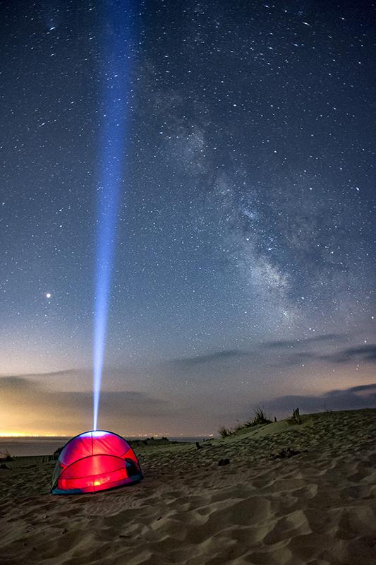 """Primer premio: """"La Luz de las Estrellas"""" por David Rubio (@drubio) Fujifilm X-T2 + Samyang 12mm f/2."""