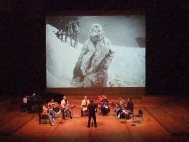 フランス八重奏の生演奏で無声映画『笑う男』・『オペラ座の怪人』を公演します。