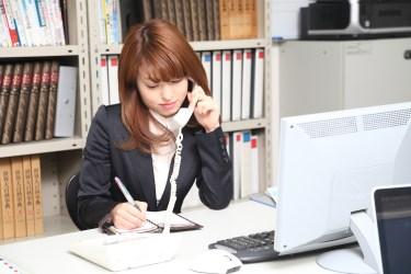 新入社員の電話対応はいつからするの?率先して電話出ると好印象