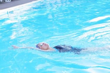 【背泳ぎ】キックで沈む原因と沈まないようにする練習方法・コツ