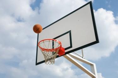バスケのシュートの飛距離アップのコツと必要な事について
