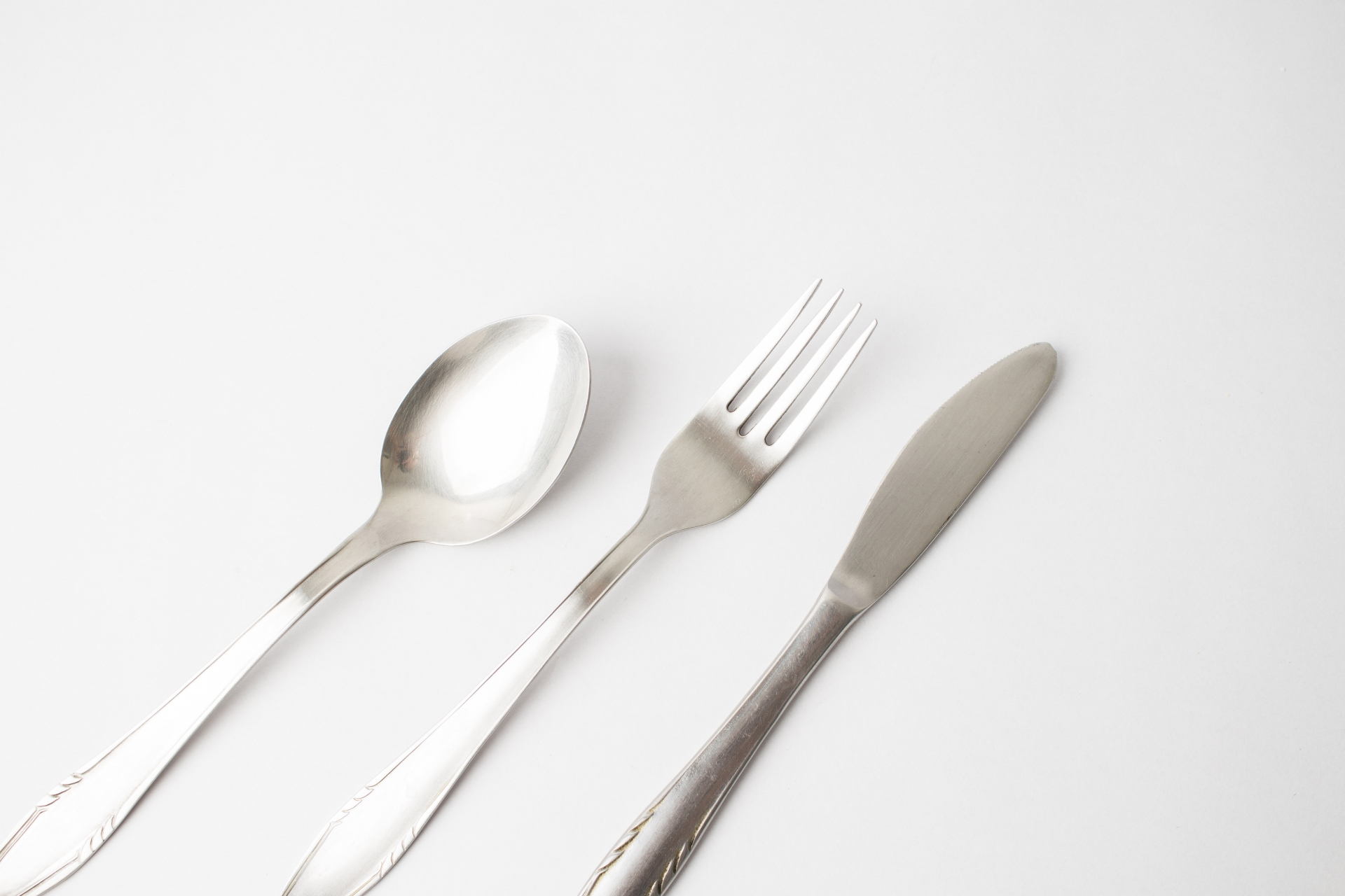 洋食マナーのフォークの使い方!基本やスマートに使う順番を紹介