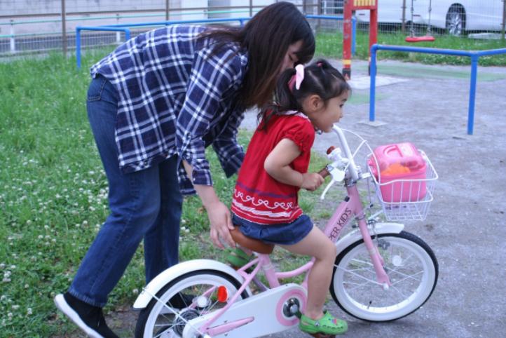 【簡単】4歳が短時間の練習で補助輪なし自転車に乗れる4つのコツ