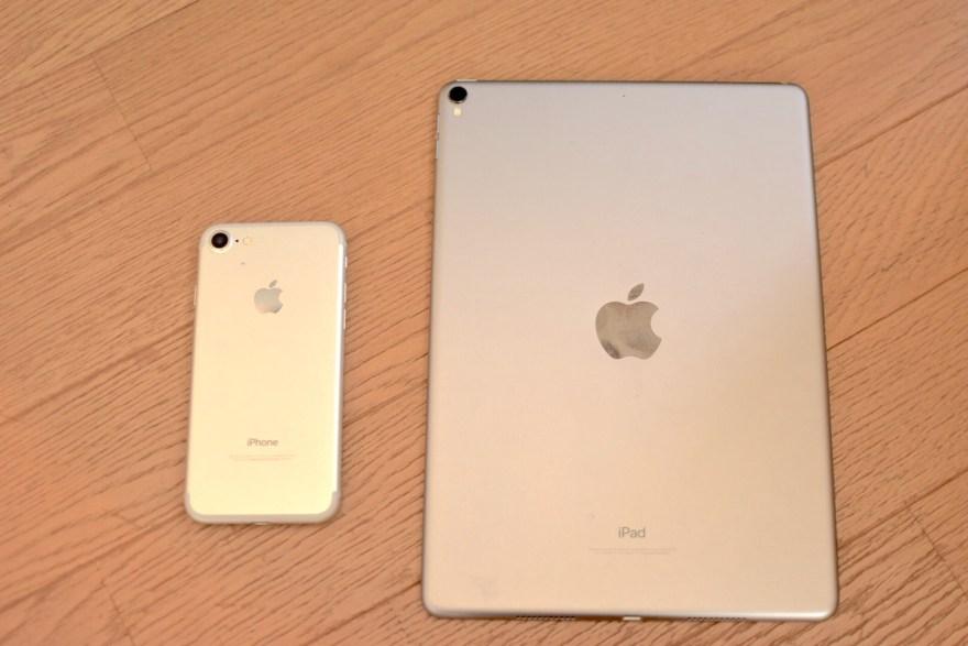 今回使用するiPhoneとiPadの画像