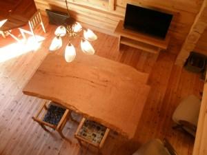 栃一枚板ダイニングテーブルセットとテレビ台