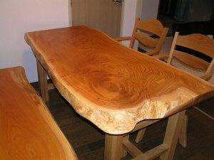 ケヤキ一枚板ダイニイングテーブルとベンチ
