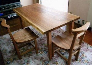 無垢ダイニングテーブルと胡桃チェアー