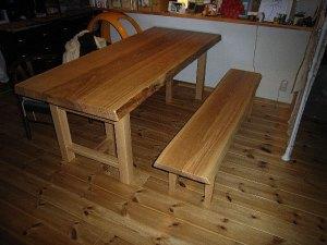 タモ一枚板ダイニングテーブルとベンチ