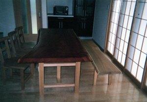 ケヤキ一枚板ダイニングテーブルとベンチ