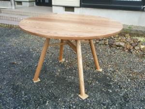 アッシュ無垢丸テーブル