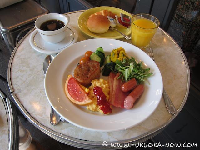 fn174 breakfast AWK 004