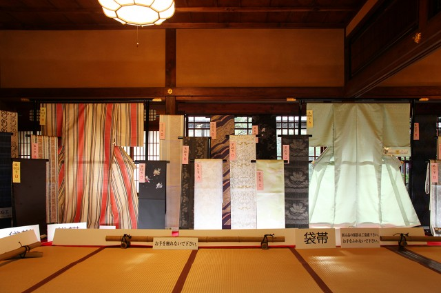 12_Hakata Ori Exhibition