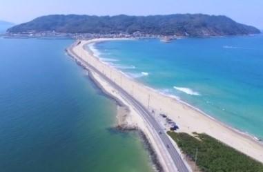 福岡市東区「志賀島海水浴場」はアクセス抜群で周辺観光・レジャースポットも豊富な宝島