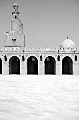 Ibn_Tulun_Mosque_Islamic_Cairo_3