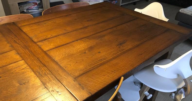 gammelt spisebord Nyt (gammelt) spisebord med gamle stole   Fuldtidsmor.dk gammelt spisebord