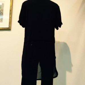 507 ルネ 黒 Tシャツ後ろ