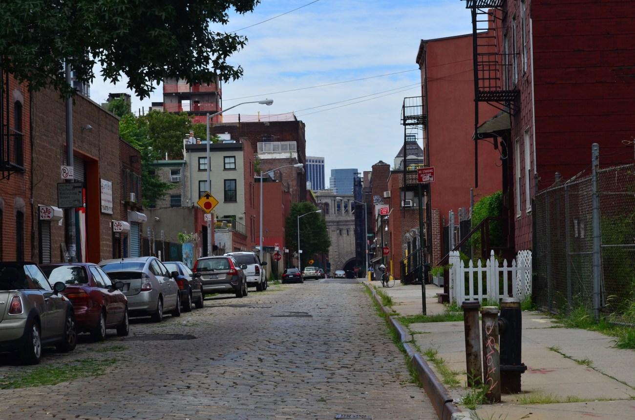 Vinegar Hill Facing The Brooklyn Bridge