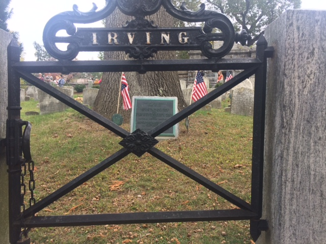 washington-irving-grave-at-sleep-hollow-cemetery