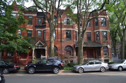 Brownstones in Lakeview Chicago