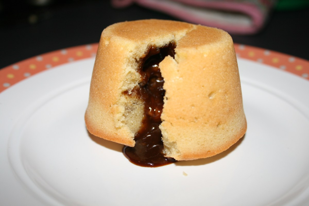 James Martin's Molten Toffee Puddings