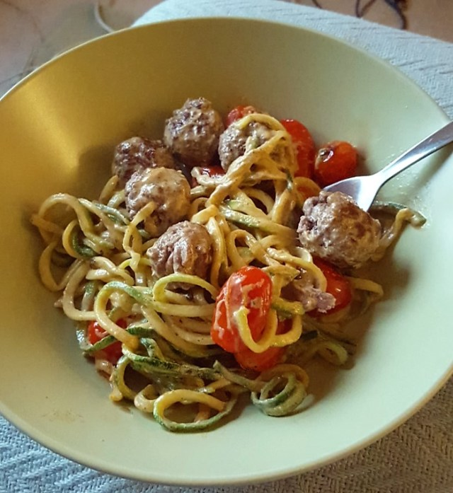 summer-courgetti-and-meatballs