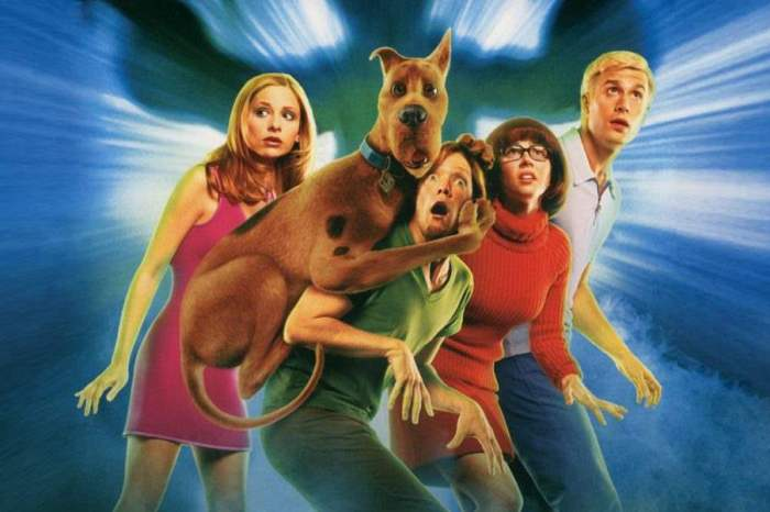 "Full Circle Flashback: 'Scooby-Doo' Review - ""Like Wow"""