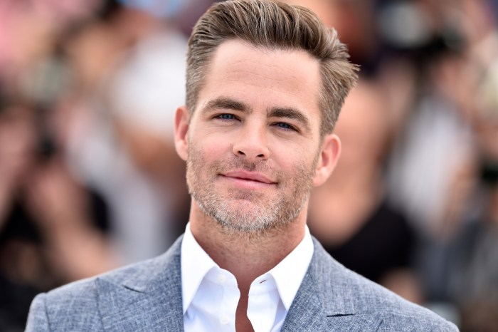 Chris Pine In Talks To Star In Paramount's Live-Action 'Dungeons & Dragons' Film