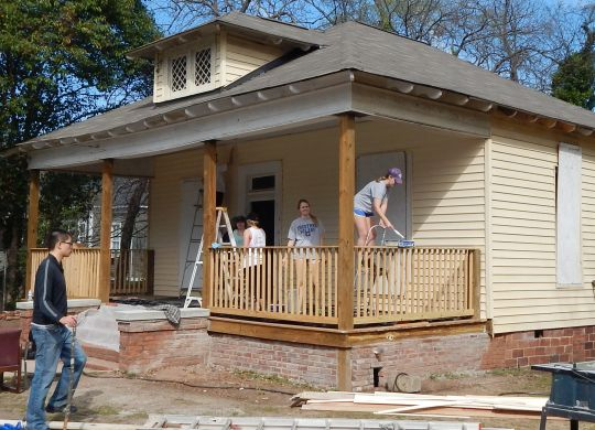 Mercer University newspaper shines light on neighborhood revitalization effort