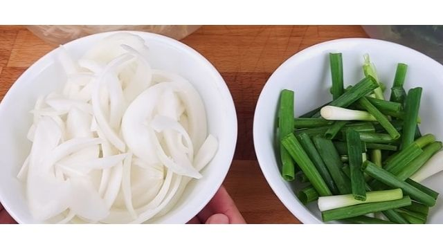 Cut Onion And Spring Onion