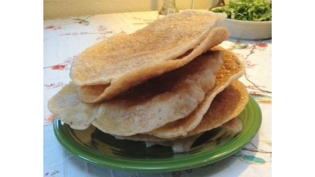 Vietnamese Sesame Rice Crackers Recipe