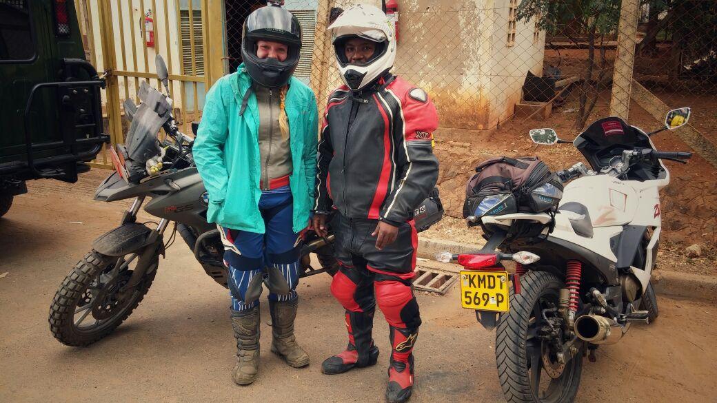 עם רוכב שפגשתי בגבול קניה