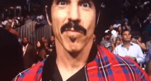 Anthony Kiedis Dealing with Torn Ankle Tendon on Tour