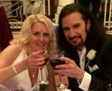 Watch Bruce Kulick Perform KISS Song w/ His Wife @ Indianapolis KISS Expo