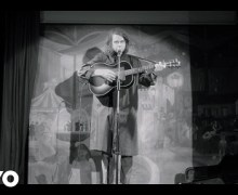 """VIDEO Premiere:  Kevin Morby's """"Downtown's Lights"""" by La Blogothèque"""