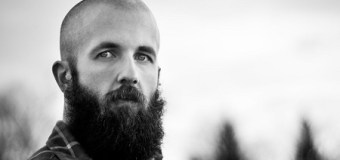 "William Fitzsimmons Covers Tom Petty's ""Learning to Fly"" – Listen!"