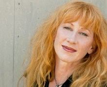 "Loreena McKennitt Releases First Original Song in 11 Years ""Breaking the Sword"""