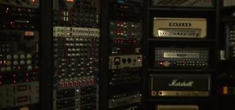 Tommy Lee, Machine Gun Kelly & Moon Bounce in the Studio